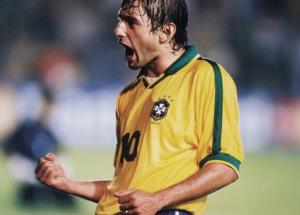 Leonardo, le seul joueur du PSG victorieux de la Copa America...