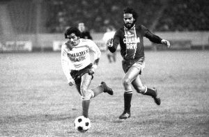 Monteiro en action sous le maillot parisien