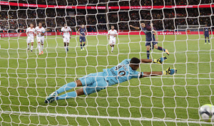 15eme penalty pour Cavani : dans le top 5 à Paris