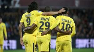 le trio offensif Cavani Mbappé Neymar