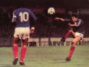 Fernandez avec son capitaine Michel Platini