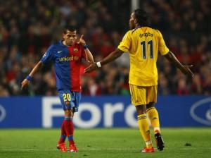 Dani Alves contre Chelsea lors des demi-finales de la compétition.