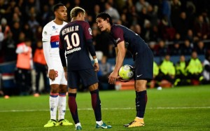 le duel Cavani-Neymar, pour le seul échec des Parisiens sur penalty face à Lyon la saison dernière