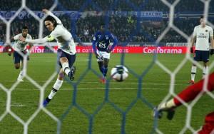 21eme penalty en L1 pour Cavani à Strasbourg