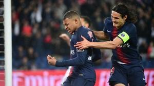 Mbappé-Cavani, un but à Reims pour une saison record