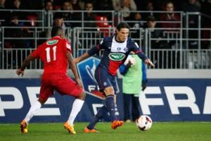 aucun but face à Brest pour Cavani, ici en action face aux Bretons en Coupe de France