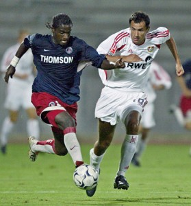 Mendy face à Leverkusen en 2003